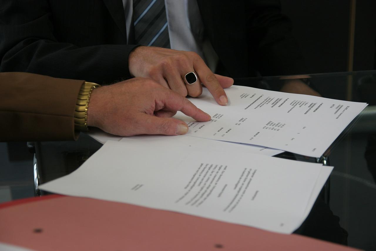 Po odbiorze lokalu, podpisaniu umowy przenoszącej własność i załatwieniu formalności warto też zastanowić się nad ubezpieczeniem nieruchomości.